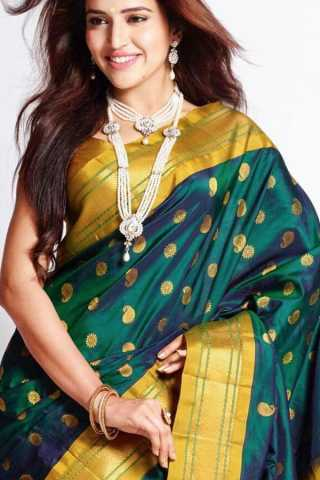 Delightful Green Colored Soft Silk Saree - CD136