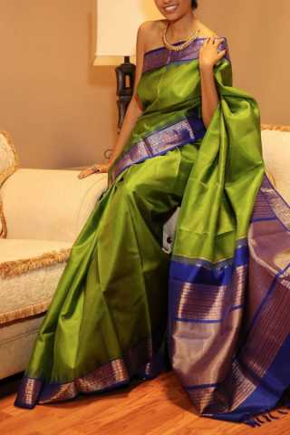 Stunning Green Colored Soft Silk Saree - CD145