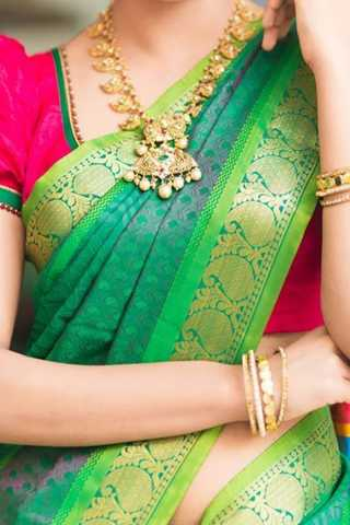 Green Colored Traditional Silk Saree With Blouse For Women - CD437