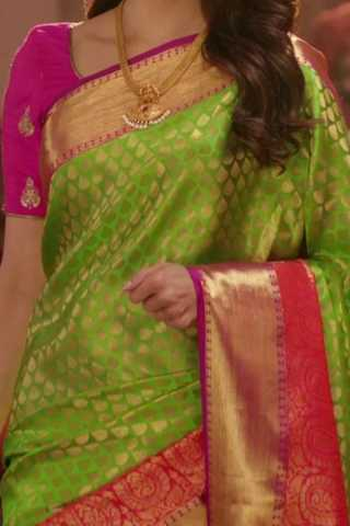 Green Colored Traditional Silk Saree With Blouse For Women - CD468