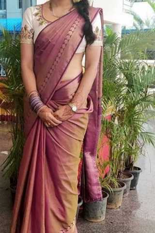 Onion Pink Colored Traditional Silk Saree With Blouse For Women - CD488