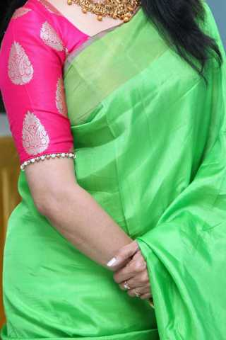 Green Colored Traditional Silk Saree With Blouse For Women - CD509