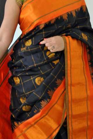 Black Colored Traditional Silk Saree With Blouse For Women - CD591