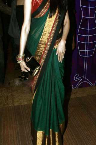Green Colored New Designer Silk Saree With Blouse Piece - DSS117