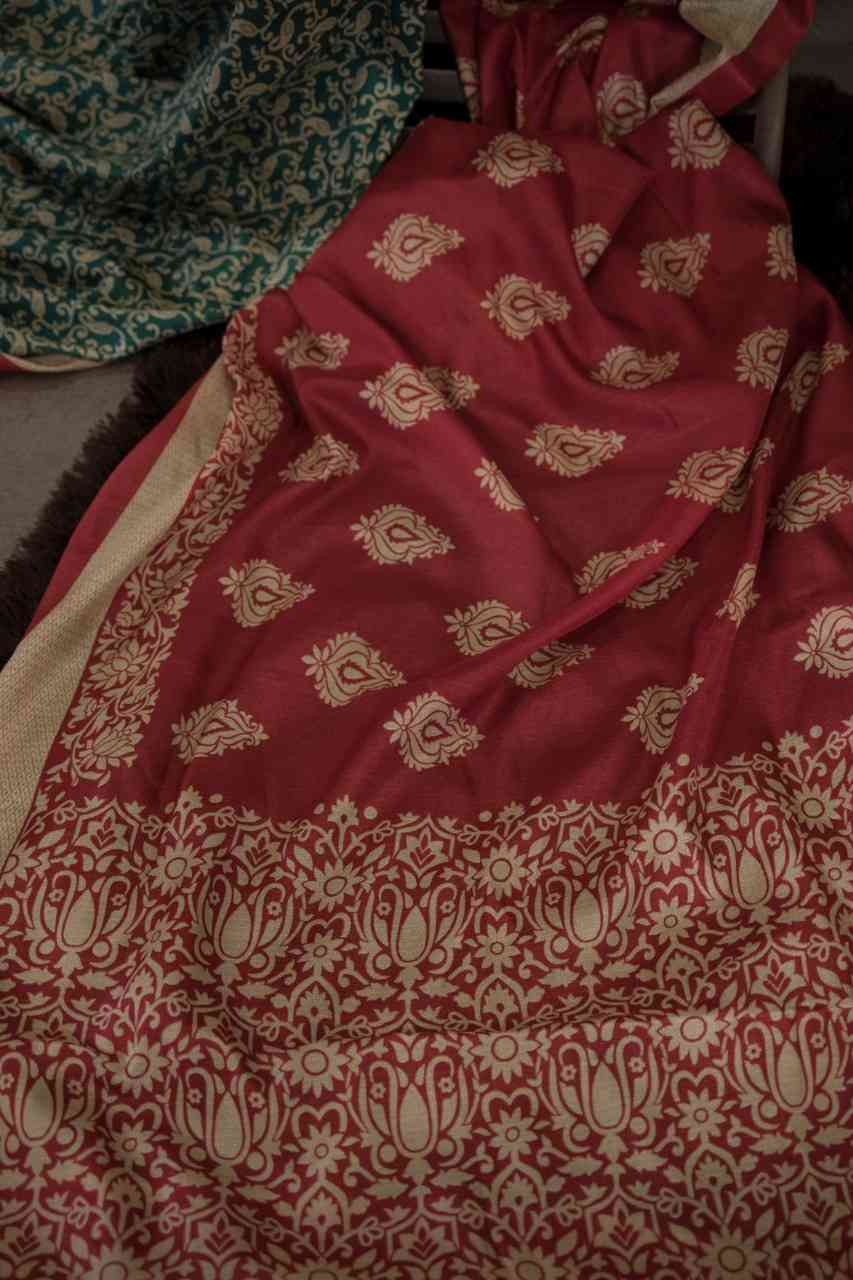 Elegantly Red And Green Colour Designer Silk Saree