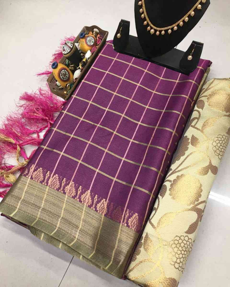 Wine Designer Check with Jaquard Border Cotton Saree With Traditional Pallu