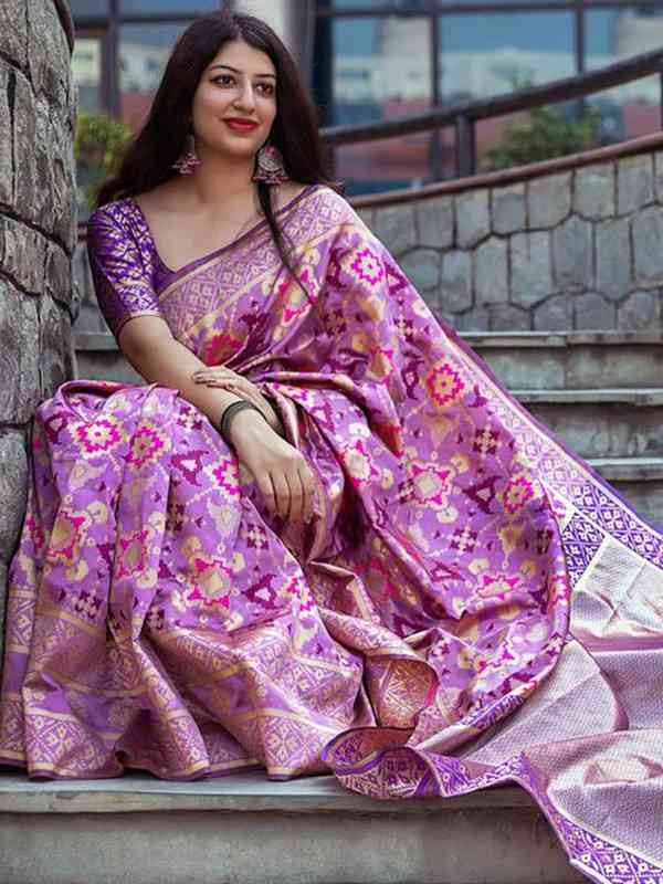 Stylish Violet Color Latest Silk Saree With Blouse Piece - DSS106