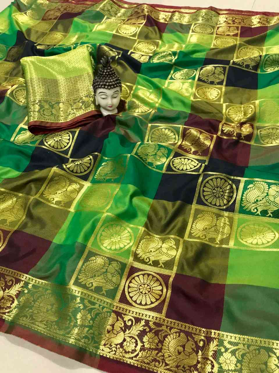 Green Color Banarasi Silk Saree With Contrast Pallu And Contrast Matching Blouse