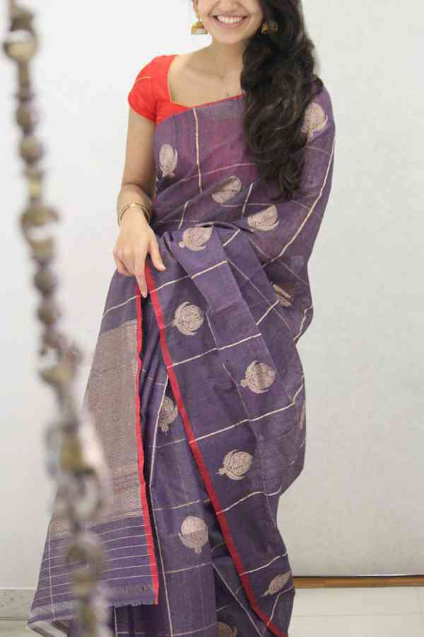 Staring Red Border Soft Silk Party Wear Saree  30""