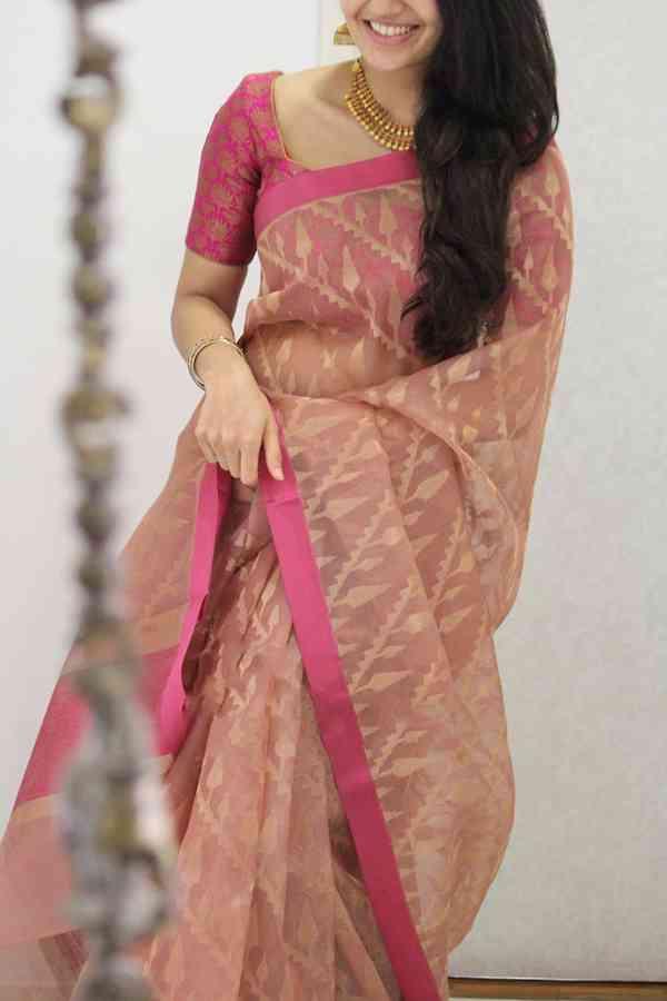 "Elegant Pink Shaded Soft Silk Party Wear Saree  30"""
