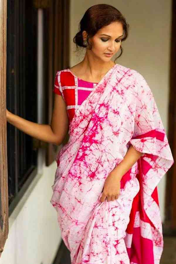 Silk Fabric white and Pink Colored Beautiful Saree With Designer Blouse