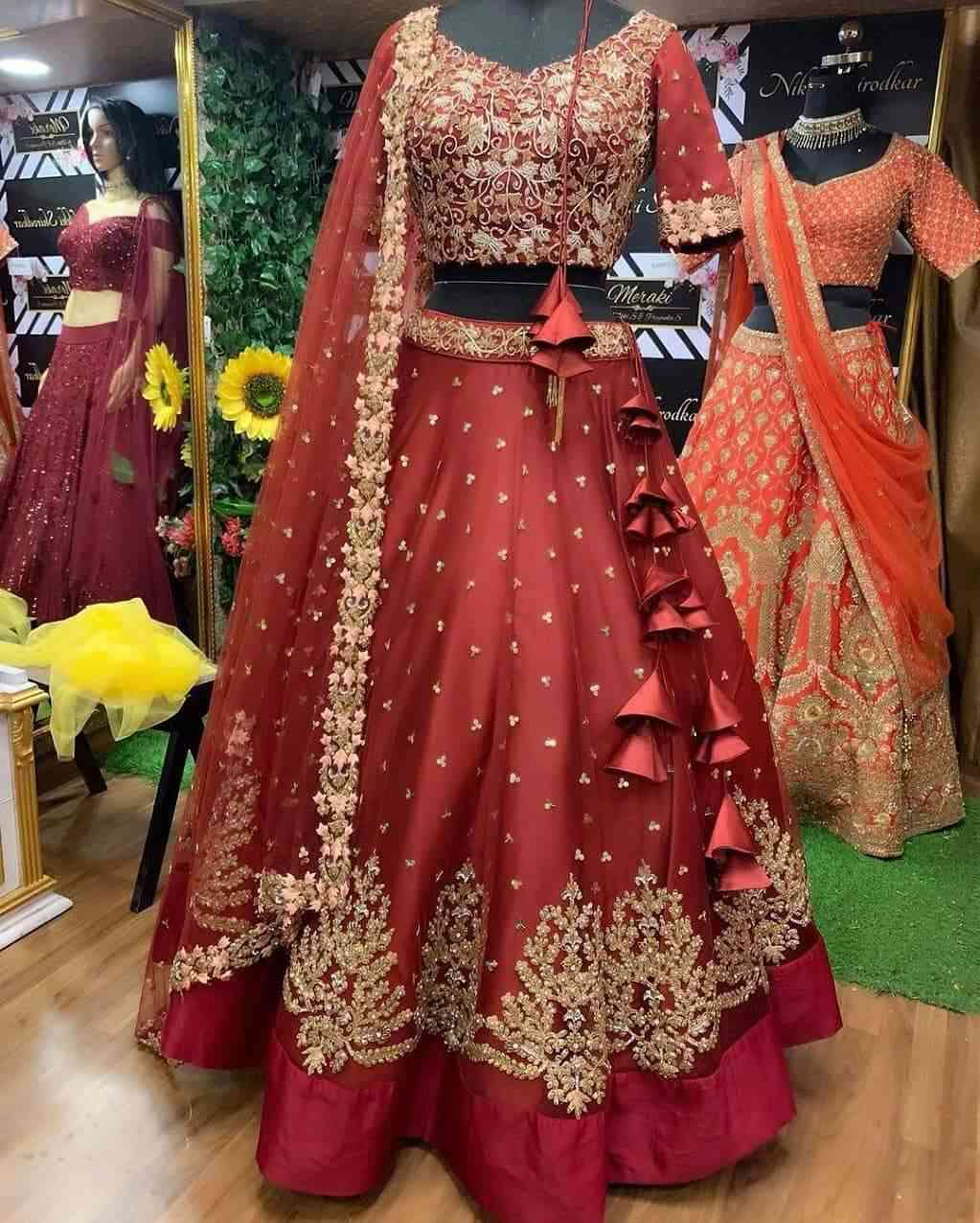MAROON COLORED PARTYWEAR DESIGNER EMBROIDERED NET WITH SILK MATERIAL LEHENGA CHOLI-LC255